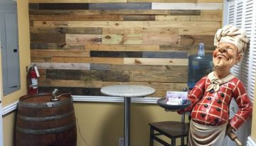 DIY Showroom Wall Out of Pallets