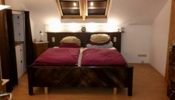 Wood Pallet Bed and TV Stand