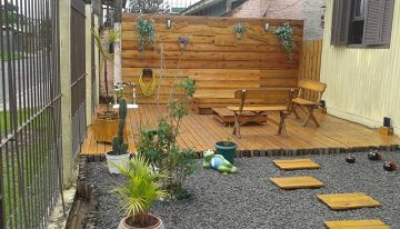 Pallets Made Garden Deck