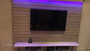 Pallet Wall Console for LCD TV