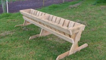 Pallets Hay Feeder Ideas