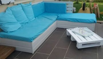 Pallet Outdoor Couch and Daybed
