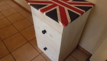 Wooden Pallet Recycled Side Table