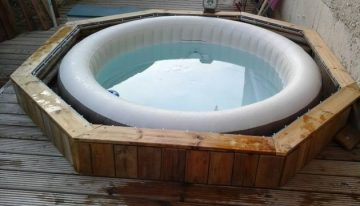 Patio Pallet Bathing Tub