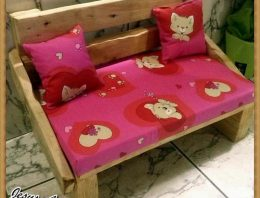 Recycled Wood Pallet Dog Bed Houses
