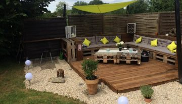 Recycled Pallet Garden Deck with Furniture