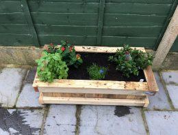 Repurposed Pallet Wood Planter